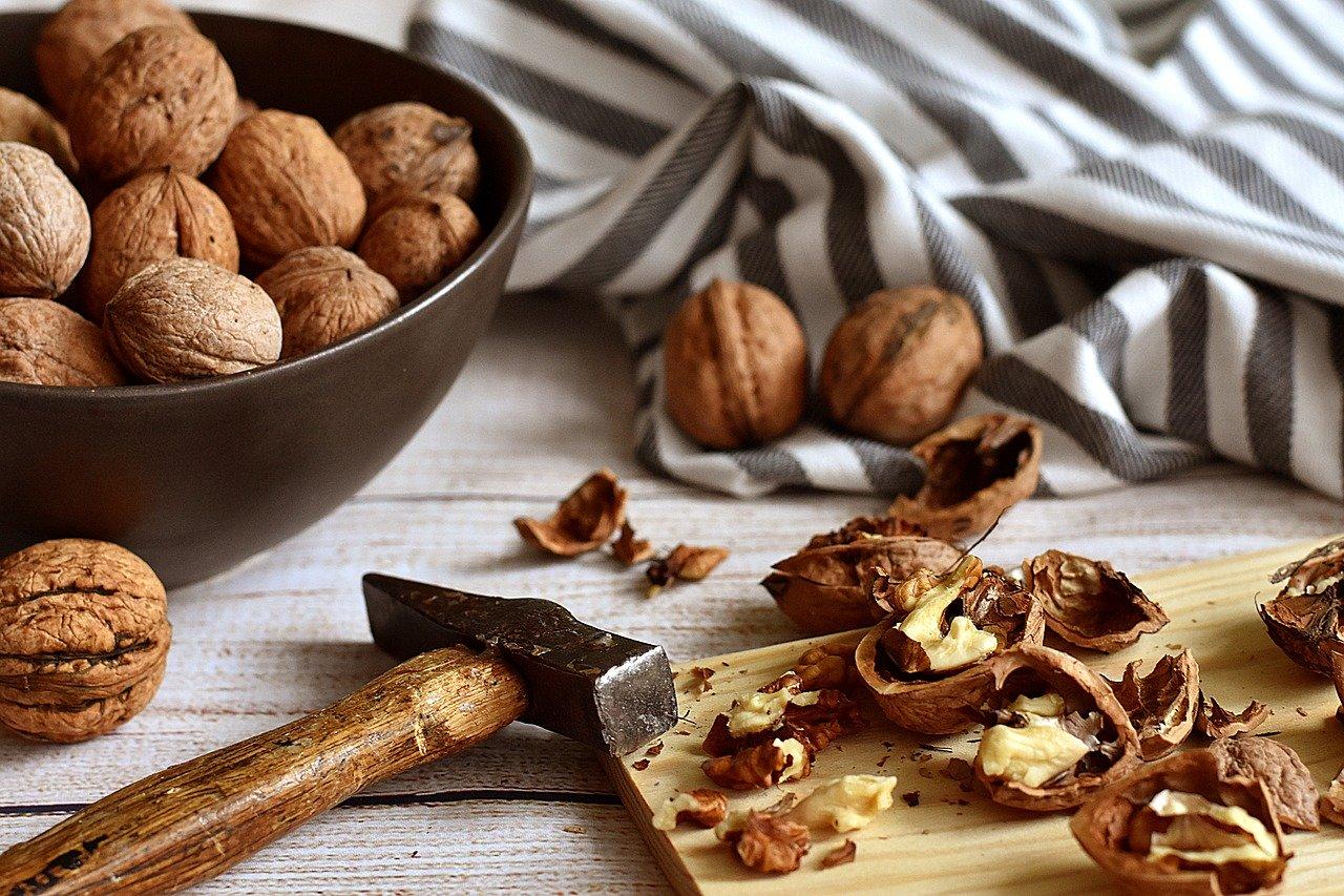 walnuts-3844990_1280.jpg