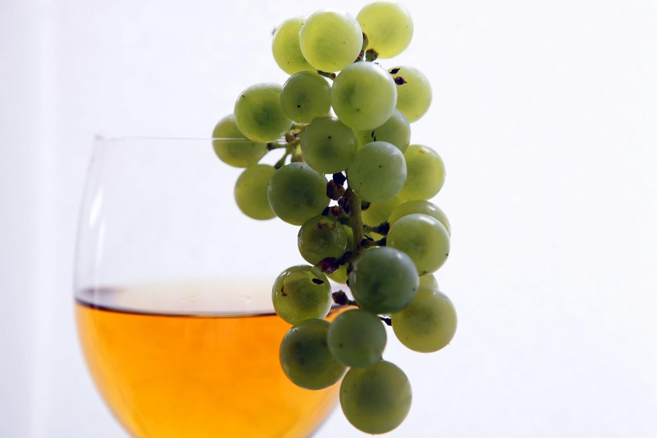 wine-1680828_1280.jpg