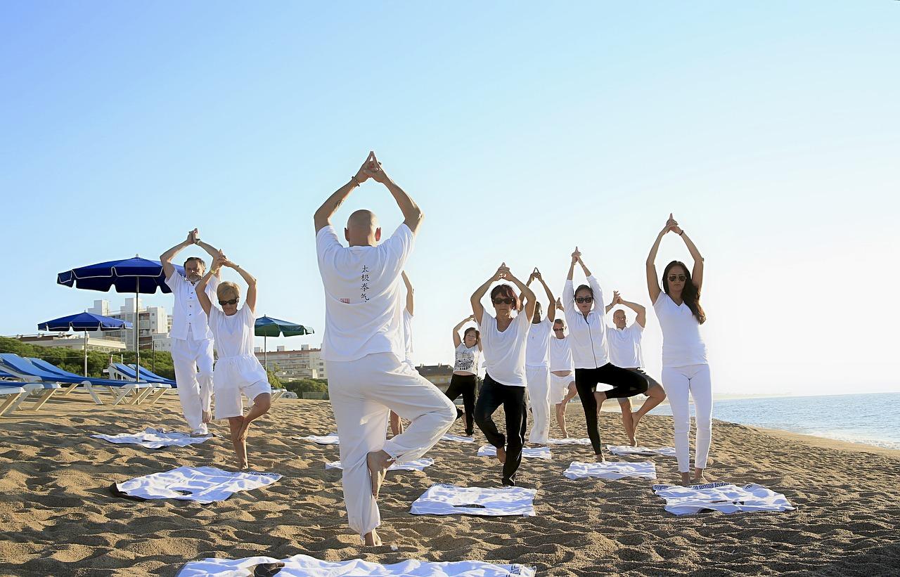 yoga-1757383_1280.jpg