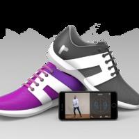 Ez az okos cipő bárkit képes megtanítani táncolni