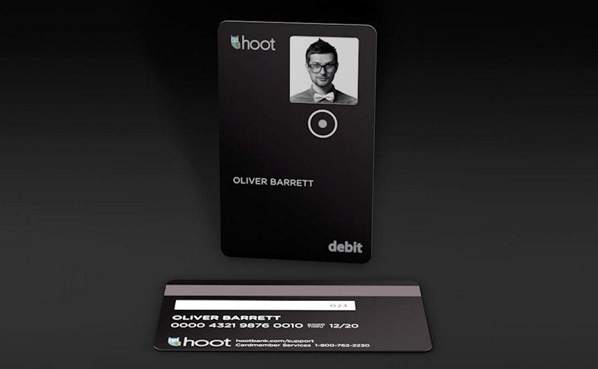 hoot-bank-smart-debit-card-01_s.jpg