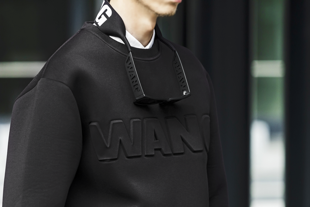 alexander-wang-hm-collection-fashion-blogger-men-style-divatblog-neoprene-sweater (3).png