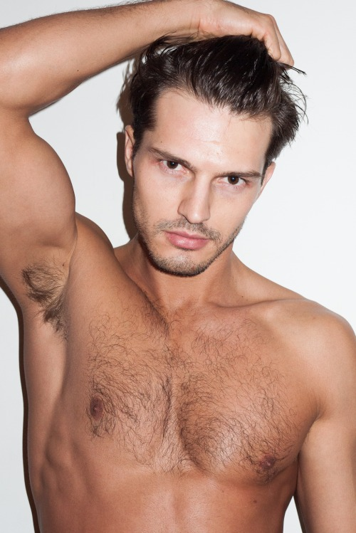 ferfi szepsegapolas-smizedivat-cikk-testszornyiro-trimmel-beauty-for-men (4).jpg