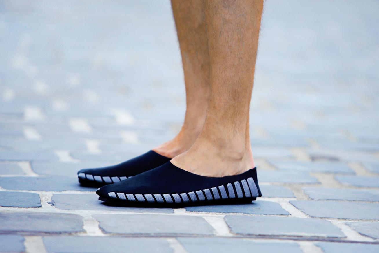 magyar-divat-street-style-ferfidivat-menswear-pikkpack-shoes-galla-hungarian-designer-smizedivat-black-outfit-menstyle_3_-shoes.png