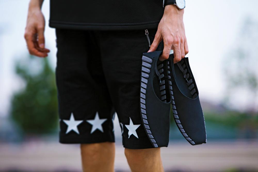 magyar-divat-street-style-ferfidivat-menswear-pikkpack-shoes-galla-hungarian-designer-smizedivat-black-outfit-menstyle_7.png