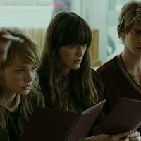 Villámkritikák: Ne engedj el! (2010) ; Kezdők (2011)