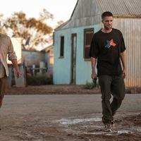 Országúti bosszú / The Rover (2014)