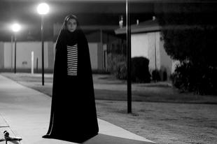 Csadoros vérszívó / A Girl Walks Home Alone at Night (2014)