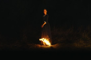 Portré a lángoló fiatal lányról / Portrait de la jeune fille en feu (2019)
