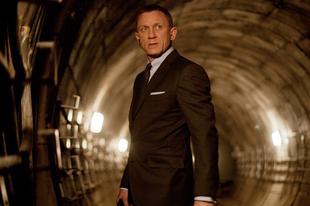 Felrázva szeretnék kérni legközelebb Bondot, nem keverve a Skyfall-t a Quantum csendjével!