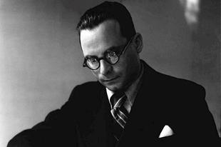 Könyvkritika: Szerb Antal: Utas és holdvilág (1937)