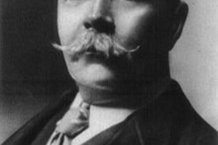 Sherlock Holmes szülőatyja: Sir Arthur Conan Doyle (1859-1930)
