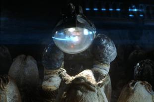 A nyolcadik utas: a Halál - rendezői változat / Alien: Director's Cut (1979 / 2003)