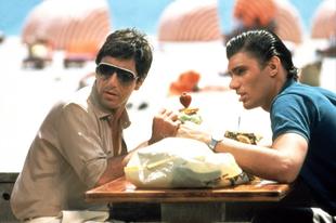 A sebhelyesarcú / Scarface (1983)