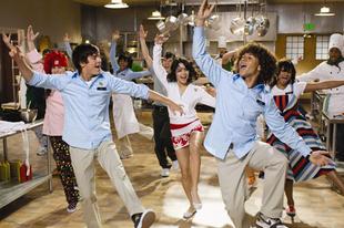 Szerelmes hangjegyek 2. / High School Musical 2 (2007)