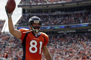 Könyvkritika: Nate Jackson: Kelj fel és járj! - Túlélni az NFL-t a rakás alján