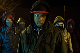 Idegen arcok / Attack the Block (2011)