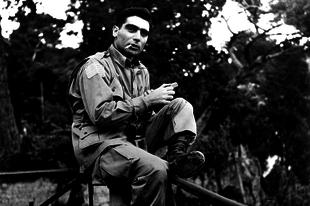 Könyvkritika: Robert Capa: Kissé elmosódva - emlékeim a háborúról (2013)