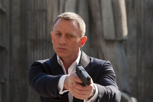 Daniel+Craig+as+superspy+James+Bond+in+Skyfall.jpg