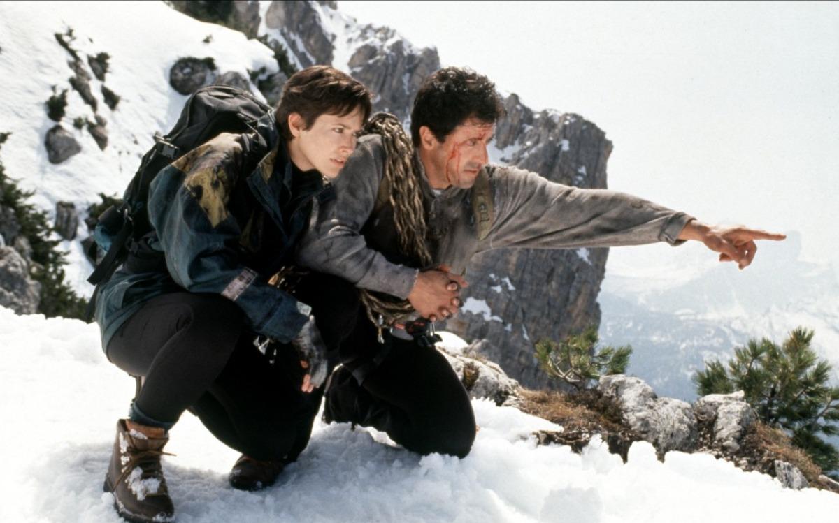 cliffhanger-1993-04-g.jpg