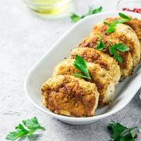 Húsmentes hétfő: Cukkinifasírt kukoricás rizzsel és chilis szósszal