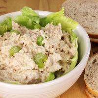 Görög joghurtos tonhalsaláta: nem kell majonéz a krémességhez