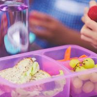 Mi kerüljön az uzsonnásdobozba, ami finom és egészséges is?