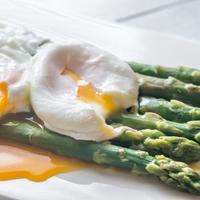 Milyen ízekkel és technológiákkal készítsük a spárgát, hogy igazán szuper legyen?