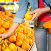 Tényleg kioldódnak a vegyszerek a citromhéjból? A NÉBIH megmondja