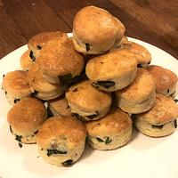 Puha, omlós medvehagymás pogácsa - Milyen sütési móddal a legfinomabb?
