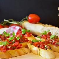 Könnyű, nyári, mediterrán falatokra vágysz? Készíts bruschettát!