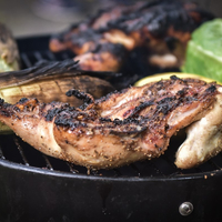 Ízesebb lesz a hús, ha körbepirítod, de vajon miért?
