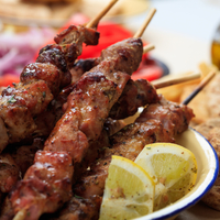 A rablóhús görögül: szuflaki, színtiszta hús, semmi zöldség