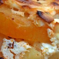 Rakott krumpli szaftosan - ne sajnáld a tejfölt és a lepirított kolbászt