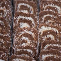 Kókuszos keksztekercs: sütés nélkül készül, de nincs nélküle vendégség