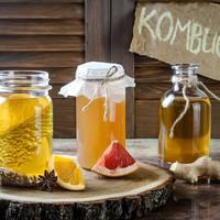 Most éppen ettől fogunk örökké élni: mi az a kombucha tea és mire jó?