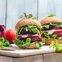 Szaftos céklapogácsa finom fűszerekkel - Húsmentesen is lehet finom a burger