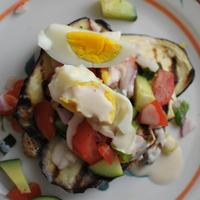 Fűszeres, színpompás padlizsános-tojásos szendvics: felér egy főfogással