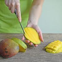 Hogyan válasszuk ki és dolgozzuk fel a legfinomabb mangót? Sós ételekbe is jól passzol