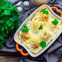 A ropogós sajt alatt: őszibarackos csirkemell a sütőből