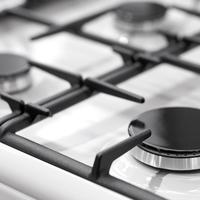 Így lesz ragyogó a gáztűzhely: házi praktikák a ráégett kosz eltávolításához