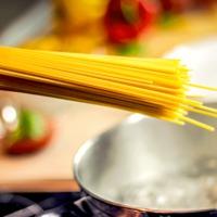 Hogyan főzik az olaszok a tésztát, hogy mindig tökéletes? Alapszabályok az al dente elkészítéséhez
