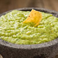 Tuti tippek a guacamole megbarnulása ellen: több napig zöld marad