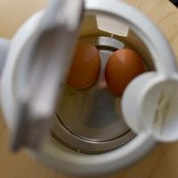 Főtt tojás a vízforralóban? Kipróbáltuk, működik-e, ha épp nincs tűzhely a közelben