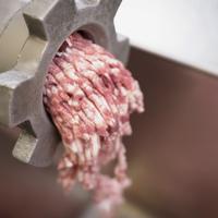 Előre darált húst vegyünk vagy helyben daráljuk le? Háziasszonyokat is megkérdeztünk