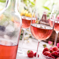 Gyümölcsös, könnyed borok: a tavasz ízei az italokban is fellelhetőek