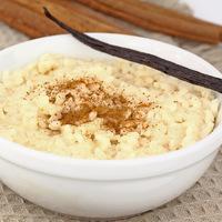 Vaníliapudingos tejberizs: krémes, édes, olcsó desszert