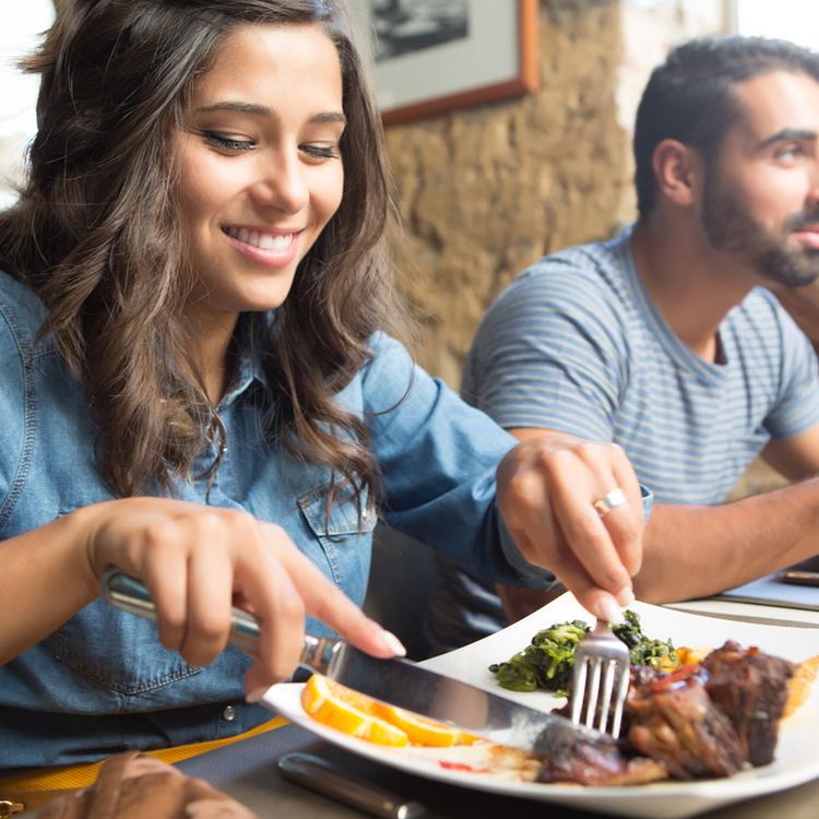 Öt trükk, hogy étteremben se edd túl magad