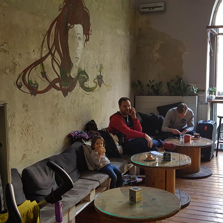 Olyan ebben a pesti kávézóban reggelizni, mintha külföldön nyaralnánk