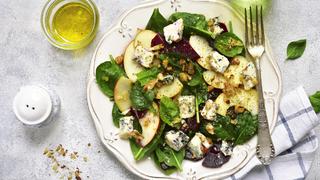 Gorgonzolás, almás, diós saláta, könnyed finomság az ünnepek alatt
